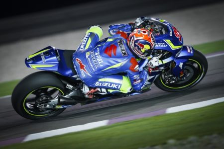Maverick Viñales continued to shine under the desert floodlights. A 1'55.333 saw the Team Suzuki Ecstar man third on Friday and third overall
