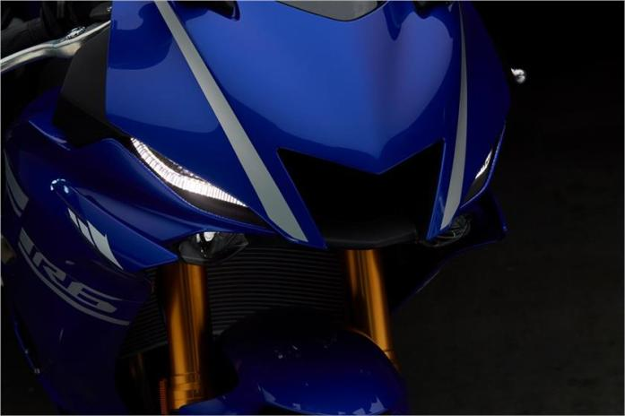 2017-yzf-r6-front