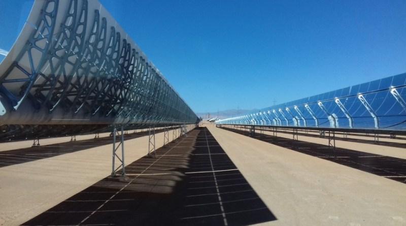 Ausschnitt des CST- Parabolrinnenkraftwerks bei Ouarzazate in Marokko. Foto: Fraunhofer ISE