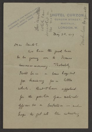 A handwritten letter on hotel stationairy.