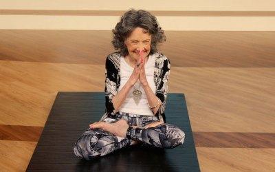 3-dicas-da-professora-de-yoga-mais-velha-do-mundo-para-ser-feliz-a