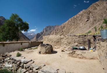 After a few hours of walking we arrive at the small mountain village of Jizev in a remote valley in Tajikistan. The houses of the 8 families are made of sand and clay.