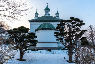 We arrive in Hakodate, appearently the first city to open up to foreign trade. You can see this clearly from the foreign buildings, for example this Russian Church.