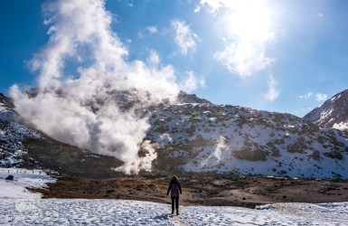 Hokkaido is full of Ice but also of Fire! This mountain is letting of steam everywhere... Out of this world.