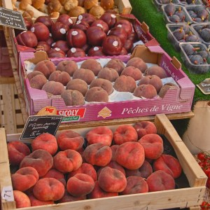 sauzee bel peaches in Provence