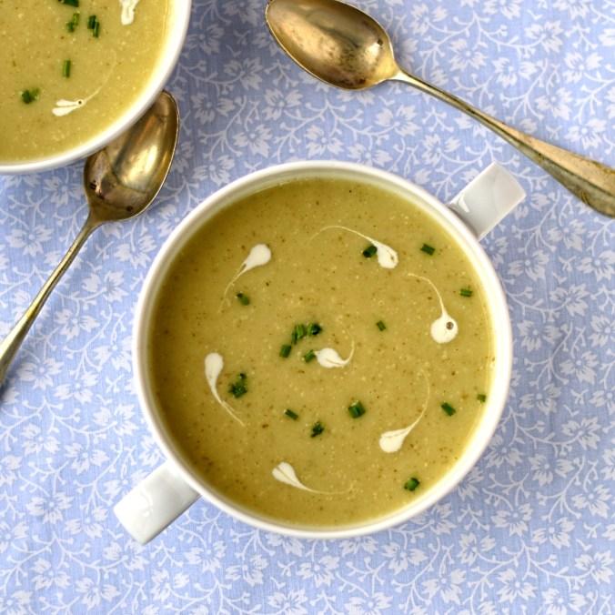 jereusalem-artichoke-and-roast-garlic-soup
