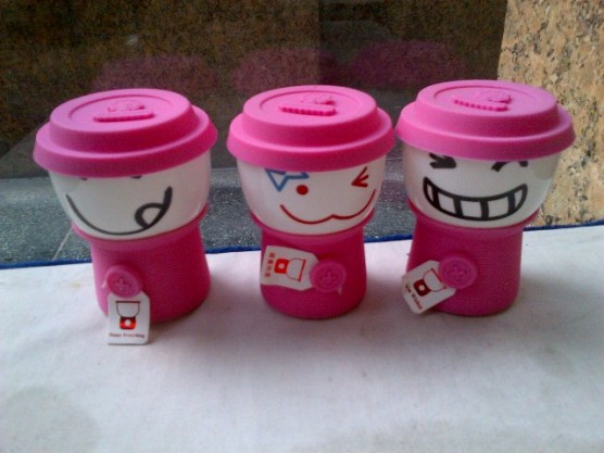 Pinky Smiley Cups
