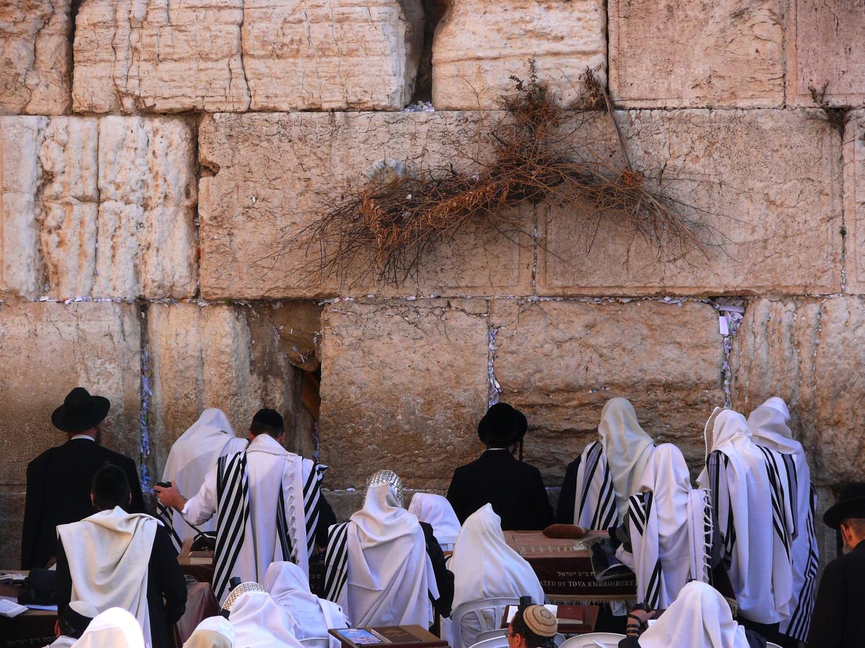 Photo: MathKnight and Zachi Evenor. Religious Jews pray in the Western Wall (Wailing Wall, HaKotel HaMaaravi), Jerusalem. יהודים מתפללים בכותל המערבי בירושלים