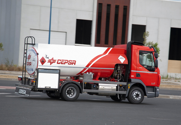 Carrozado de cisterna ADR sobre camión