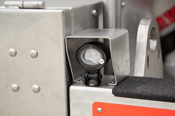 Cisterna autoportante para recogida y transporte de líquidos con equipo laboratorio