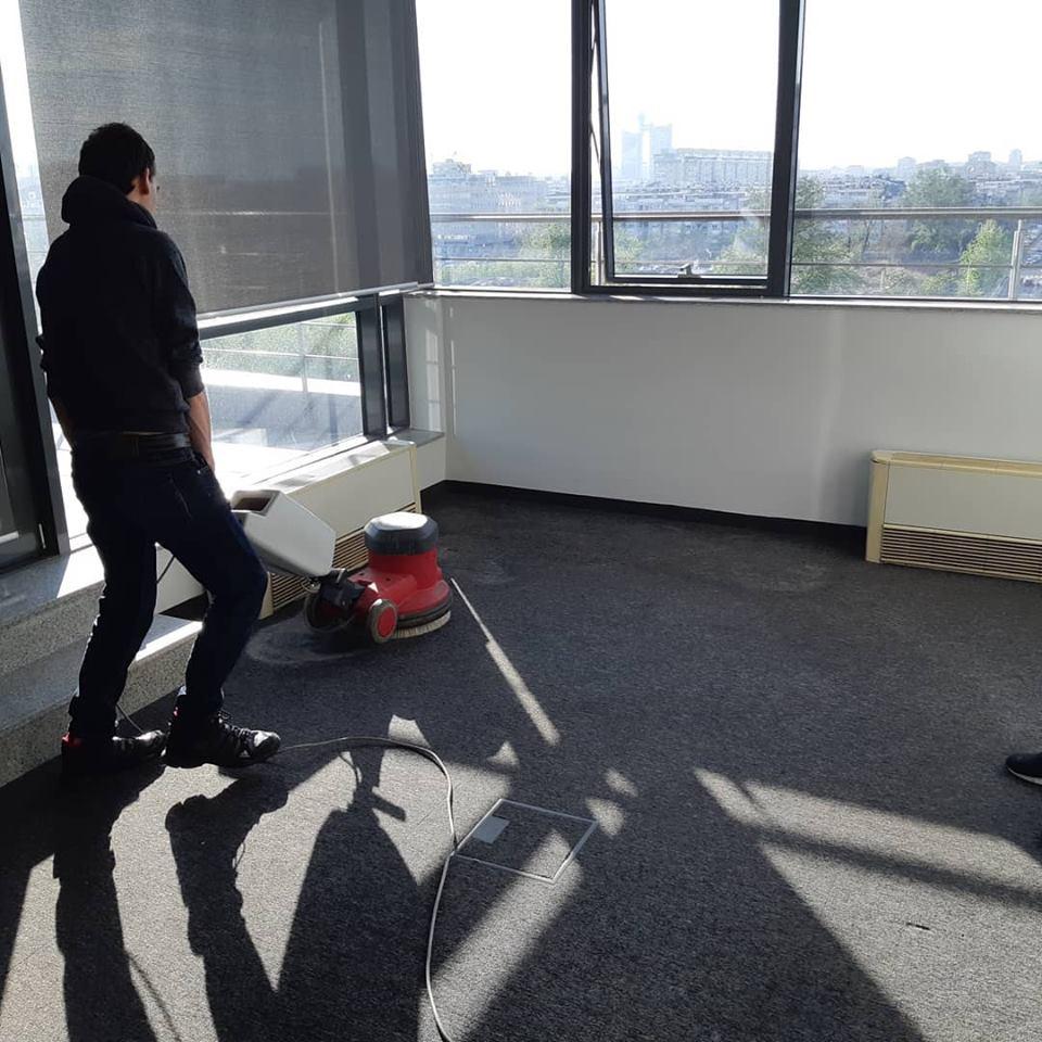 Dubinsko pranje kancelarijskih podova