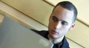Adrian Lamo, otro de los hackers más atroces
