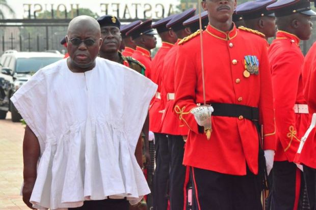 nana-addo-inspects-gaurd-of-honour-2