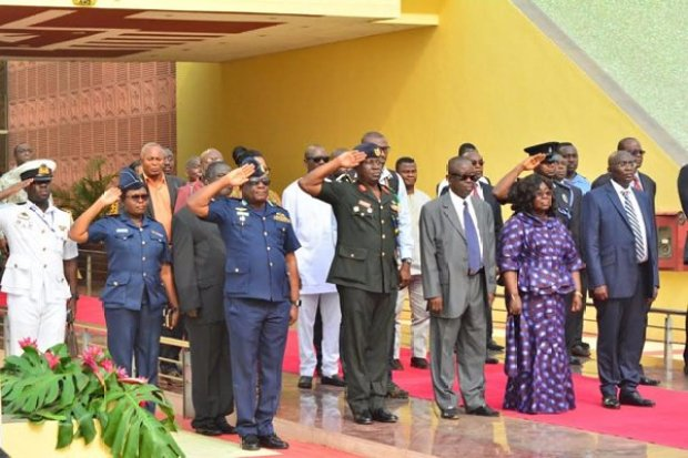 nana-addo-inspects-gaurd-of-honour-7