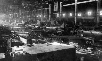Сборка Ла-5 на заводе №21