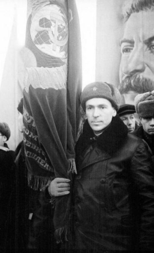 Начальник сборочного цеха авиационного завода Зайчик Семен Ефимович
