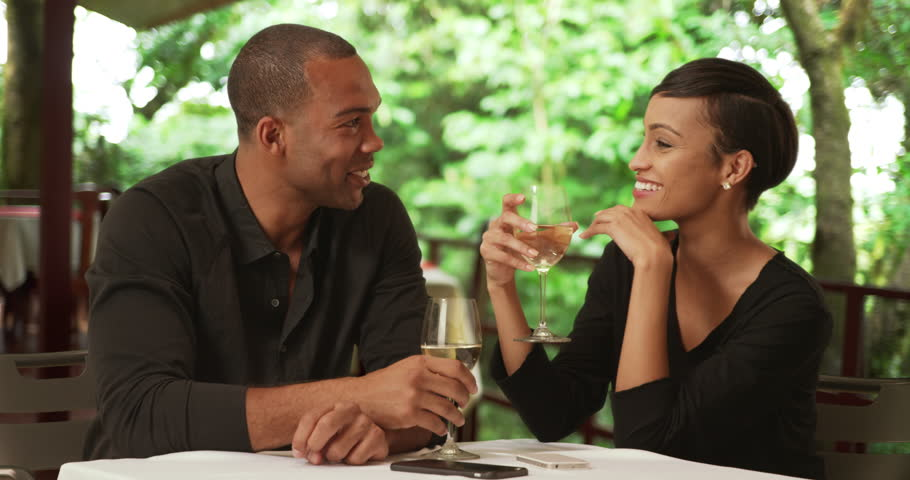 What to talk about with a guy on a first date