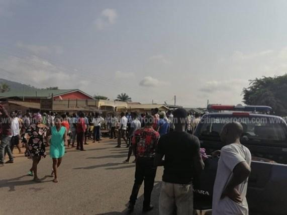 Juapong residents block road over killing of businessman 3