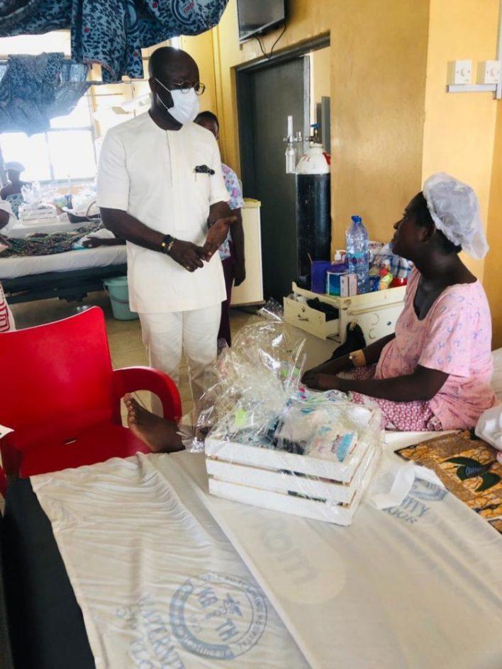 Asante Bediatuo's family donates to Korle-Bu Teaching Hospital maternity ward 12