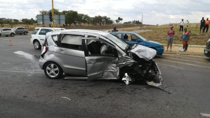 December 2 - One person died and two others were seriously injured when two cars collided head-on in Gauteng on Sunday afternoon. Photo: Netcare 911 December 2 - One person died and two others were seriously injured when two cars collided head-on in Gauteng on Sunday afternoon. Photo: Netcare 911 December 2 - One person died and two others were seriously injured when two cars collided head-on in Gauteng on Sunday afternoon. Photo: Netcare 911