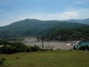 Diga e Rrapuni 3-4 në Shqipëri është duke tharë deri në 4.5 km nga pjesa e poshtme e shtratit të lumit. Foto: Klara Sikorova Citizens Channel