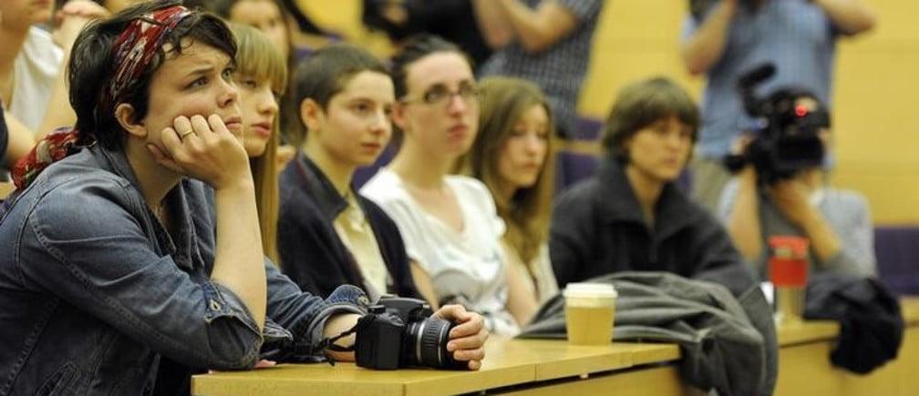 Studimi : Kur largohen të rinjtë europianë nga shtëpia?