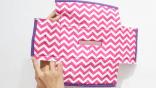 Jahit kain binding di bagian bawah setiap kotak seperti di foto