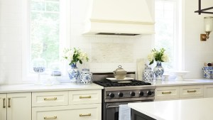 OUR KITCHEN UPDATES: BRASS HARDWARE PULLS AND FAUCET