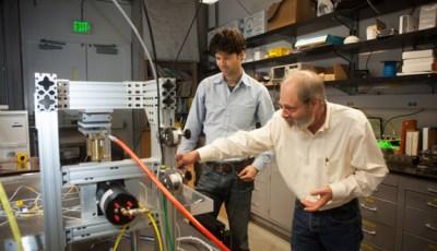 Professor Steven Glaser interviewed by ScienceLives on Designing Nanoseismic Sensors