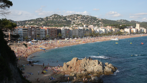 How to Get from Barcelona Airport to Lloret de Mar