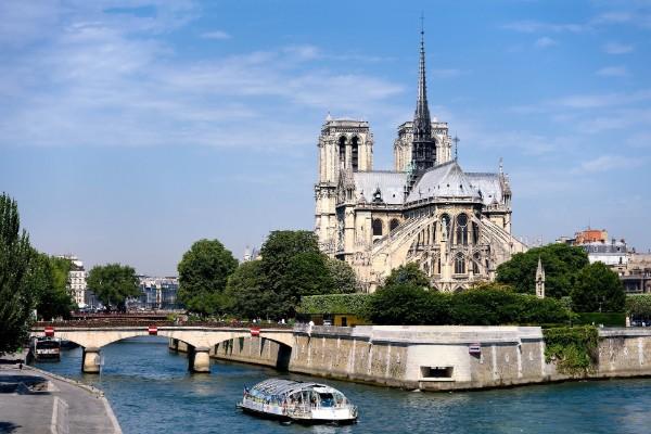 Notre Dame Ile de la Cite Paris City Airport Taxis