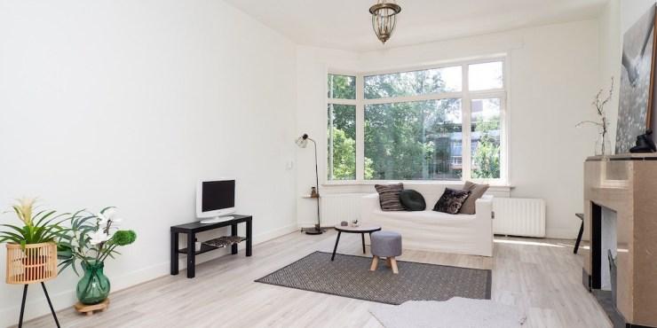 Large family apartment near ISH