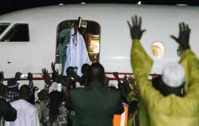 Yahya Jammeh leaves Gambia