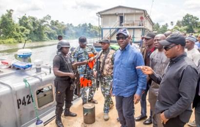 Obaseki Visits Gelegele Port Community, To Strengthen Security Ties With Police, Navy