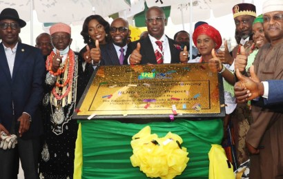 Buhari Flags Off Construction Of NLNG's Train 7 Project