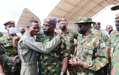 Buhari Applauds Airforce Pilot For Gallantry