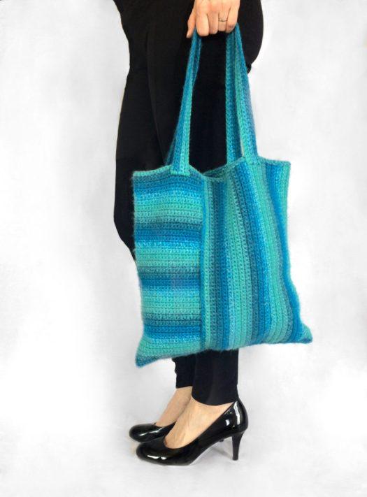 www.CityFarmhouseStudio.com Journey Bag free crochet pattern