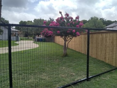 Combo Wood & Wire 6' Tall Privacy Fencing