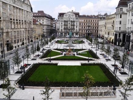 Szeptember 2-án, hétfőn átadják a megújult belvárosi József nádor teret
