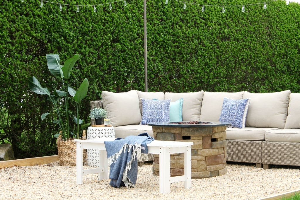 9 farmhouse patios to get you ready for