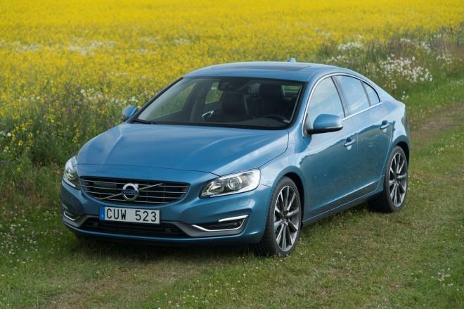 Novi Volvo S60 – več dinamike in elegance