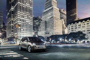 BMW i3 // Oblika brez oblikovnih kompromisov. Prihodnost je tu - tudi v oblikovalskem jeziku.