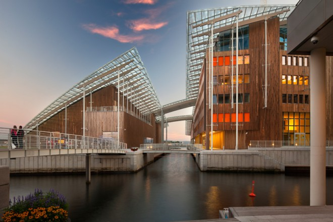 Novo stavbo privatnega muzeja je postavil legendarni arhitekt Renzo Piano.