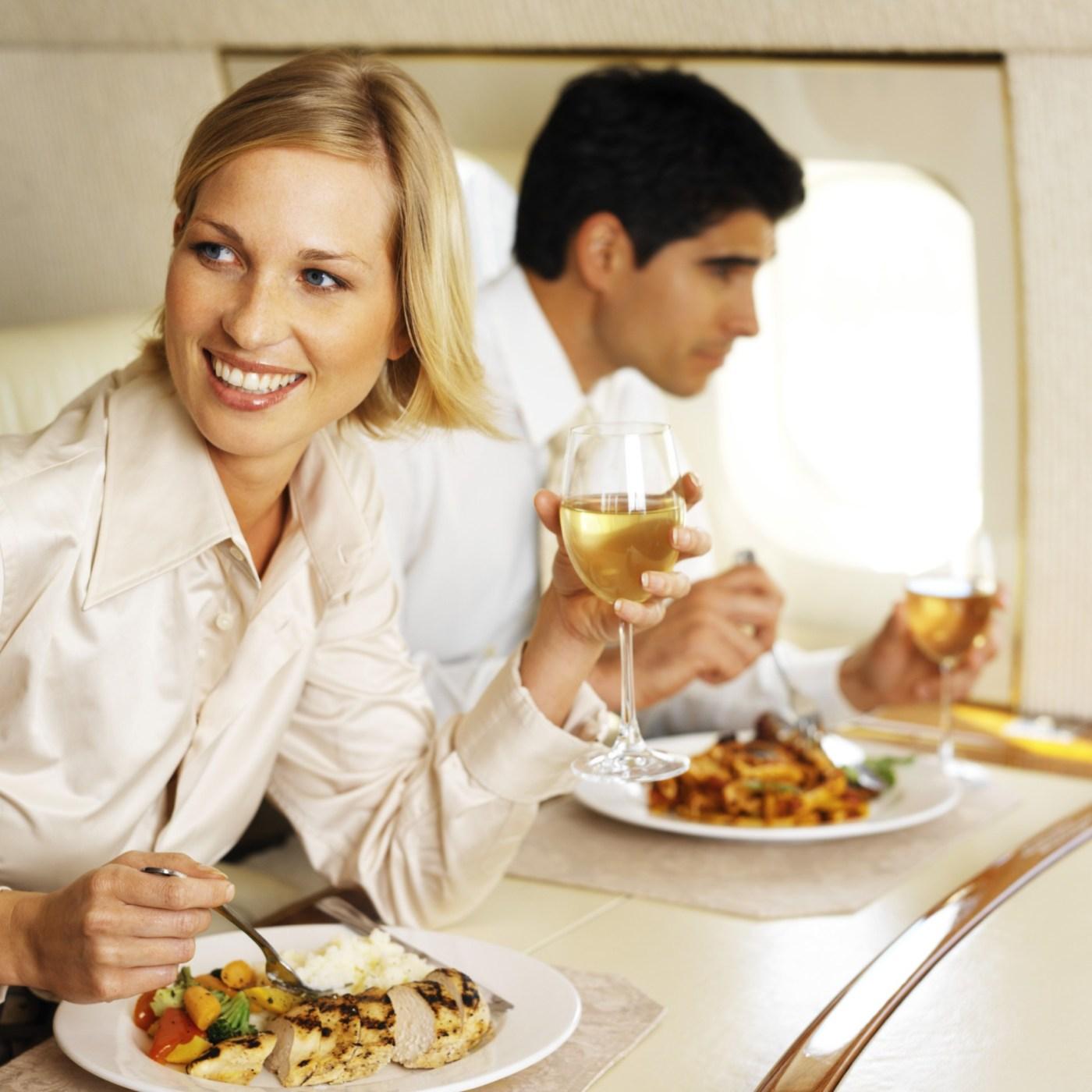 Hrana na letalih