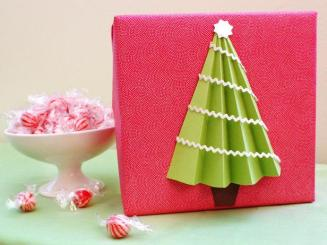 original_Morgan-Levine-tree-gift-wrap-beauty_s4x3_lg