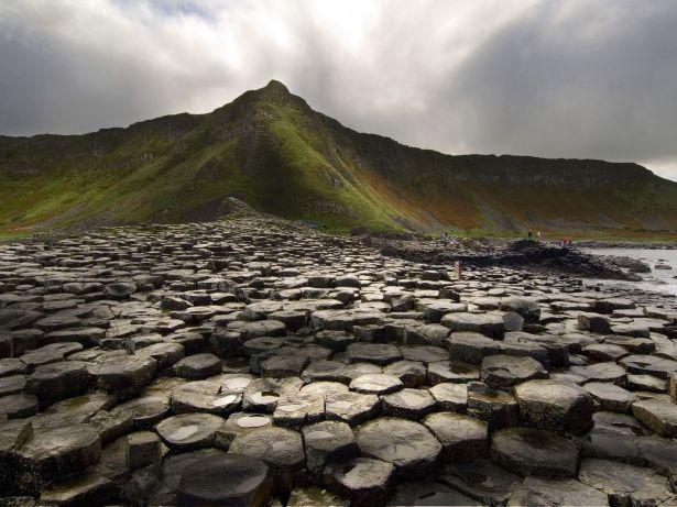 34. Velikanov nasip – okraj Antrim, severna Irska