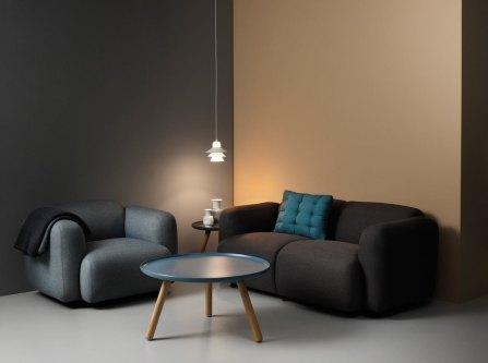 Oblika fotelja spominja na obliko kruha. Foto: Normann-Copenhagen