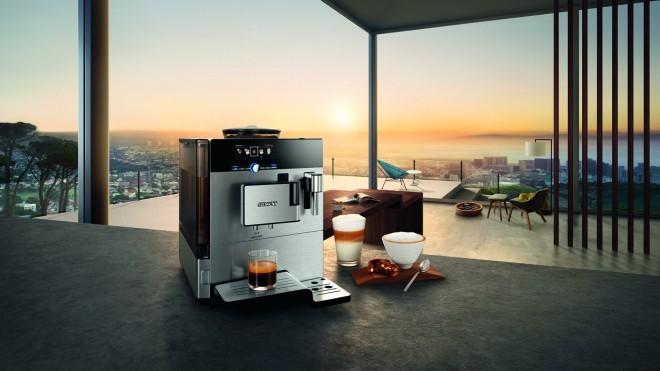 Avtomatski kavni avtomat Siemens EQ8 je vse, kar potrebujemo za pripravo odlične kave.