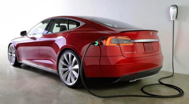 """Zavoljo Tesle Motors ne bo več kislih obrazov med proizvajalci električnih vozil. 'Jesihar' se že dere: """"Patenti za vse, patenti za vse!"""""""