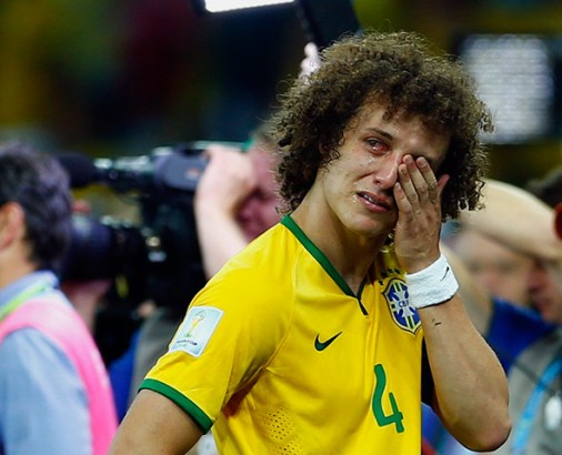 It's all too much for David Luiz
